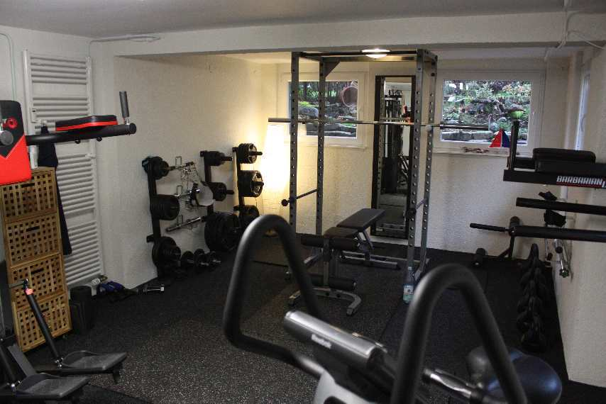 home gym vorstellung und tipps von danny. Black Bedroom Furniture Sets. Home Design Ideas