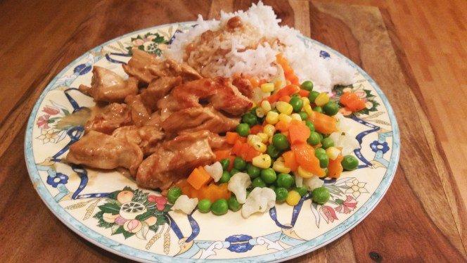 Fitness Mittagessen: Hühnchen mit Erdnusssoße