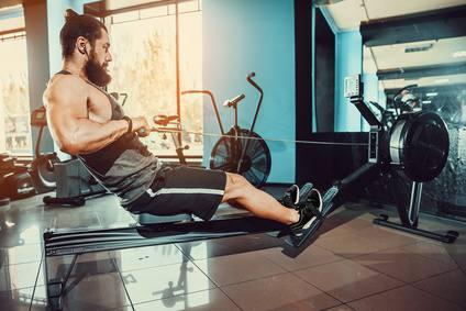 Rudermaschine Fitnessstudio Zuhause
