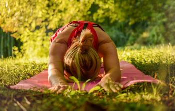 yoga camping natur